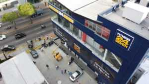 alquiler de plataformas elevadoras o manlift para trabajos en altura, plataformas tipo tijera, brazo, telescópica